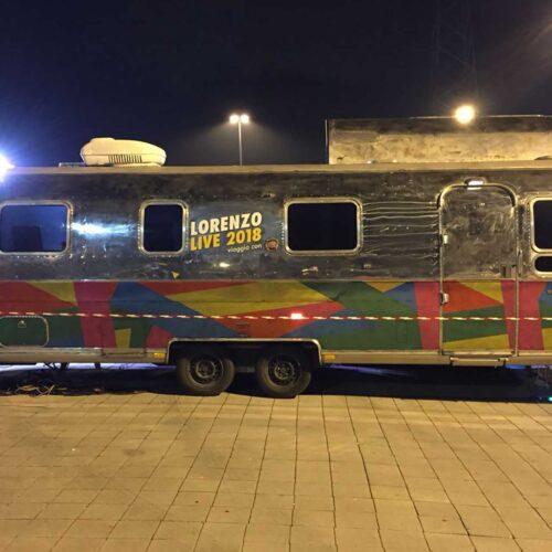 jovanotti-live-tour-esterno-caravan