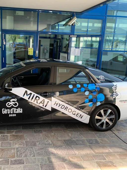 wrapping su veicoli per il Giro d'Italia 2020 | | lavoro realizzato da Fotolito FB